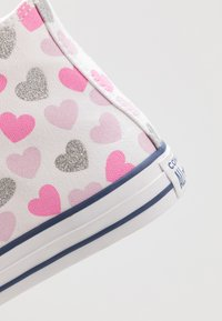 Converse - CHUCK TAYLOR ALL STAR HEARTSFALL  - Sneakers hoog - white/cherry blossom/silver - 2