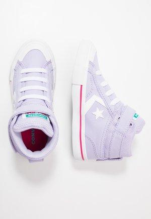 PRO BLAZE STRAP - Zapatillas altas - moonstone violet/cerise pink