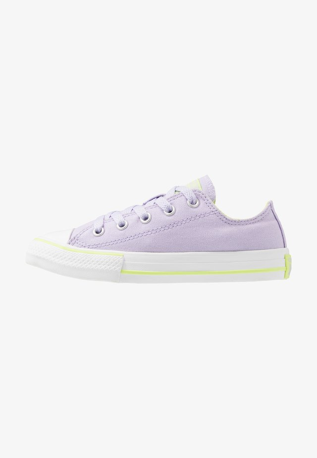 CHUCK TAYLOR ALL STAR - Trainers - moonstone violet/lemongrass