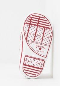 Converse - CHUCK TAYLOR ALL STAR CRIBSTER - Babyschoenen - white/garnet - 5