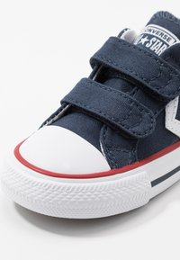 Converse - STAR PLAYER INFANT/JUNIOR - Sneakersy niskie - navy/white - 2
