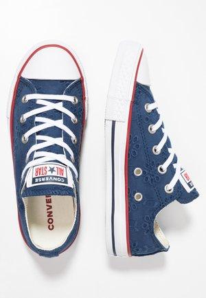 CHUCK TAYLOR ALL STAR - Sneakersy niskie - navy/garnet/midnight navy