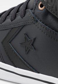 Converse - PRO BLAZE STRAP MARTIAN - Sneakers alte - almost black/black/mason - 2