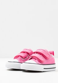 Converse - CHUCK TAYLOR ALL STAR - Sneakers basse - pink - 3