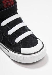 Converse - PRO BLAZE STRAP SPACE RIDE - Sneakers alte - black/enamel red/white - 2