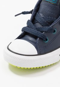 Converse - CHUCK TAYLOR ALL STAR STREET WARMTH - Sneakers high - obsidian/green abyss/bold lime - 2