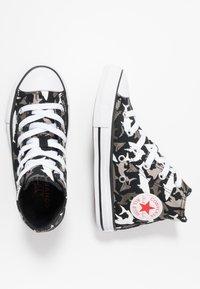 Converse - CHUCK TAYLOR ALL STAR SHARK BITE - Baskets montantes - black/university red/white - 0