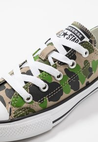 Converse - CHUCK TAYLOR ALL STAR - Sneakers laag - black/khaki/white - 2