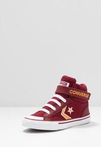 Converse - PRO BLAZE STRAP EMBROIDERED - Vysoké tenisky - team red/laser orange/white - 2