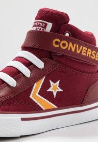 Converse - PRO BLAZE STRAP EMBROIDERED - Vysoké tenisky - team red/laser orange/white - 5