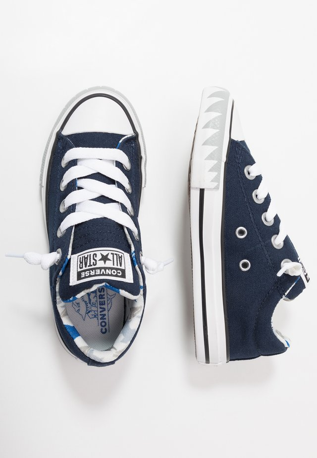 CHUCK TAYLOR ALL STAR STREET SHARK BITE - Sneakers laag - obsidian/photon dust/white