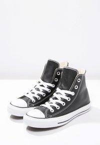 Converse - CHUCK TAYLOR ALL STAR HI - Zapatillas altas - black - 2
