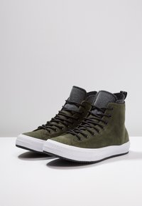 Converse - CHUCK TAYLOR ALL STAR WP - Zapatillas altas - utility green/black/white