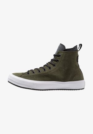 CHUCK TAYLOR ALL STAR WP - Sneakersy wysokie - utility green/black/white