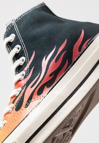 Converse - CHUCK TAYLOR ALL STAR 70 ARCHIVE PRINTS REMIXED - High-top trainers - black/enamel red/bold mandarin - 8