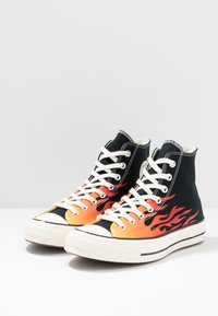 Converse - CHUCK TAYLOR ALL STAR 70 ARCHIVE PRINTS REMIXED - High-top trainers - black/enamel red/bold mandarin - 3