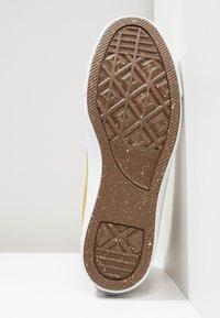 Converse - CHUCK TAYLOR ALL STAR HI RENEW - Sneakers hoog - wheat/black/white - 6