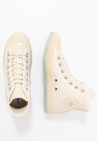 Converse - CHUCK TAYLOR ALL STAR - Sneakersy wysokie - natural ivory/papyrus - 1
