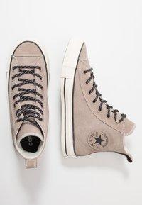Converse - CHUCK TAYLOR ALL STAR - Høye joggesko - hummus/almost black - 1