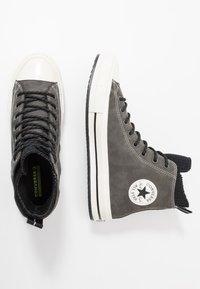 Converse - CHUCK TAYLOR ALL STAR WP BOOT - Høye joggesko - carbon grey/black/egret - 1