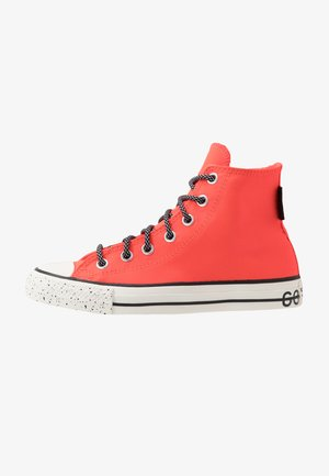 CHUCK TAYLOR ALL STAR GORE-TEX - Høye joggesko - bright crimson/egre/black