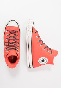Converse - CHUCK TAYLOR ALL STAR GORE-TEX - Høye joggesko - bright crimson/egre/black - 1