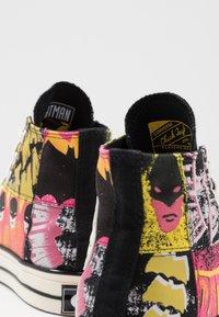 Converse - CHUCK 70 X BATMAN - Zapatillas altas - white/black/multicolor - 5