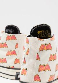 Converse - CHUCK 70 X BATMAN - High-top trainers - white/black/multicolor - 5