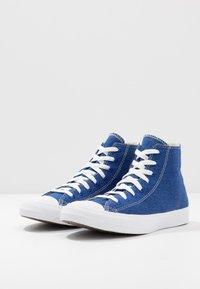 Converse - CHUCK TAYLOR ALL STAR RENEW - Vysoké tenisky - rush blue/natural/white - 2
