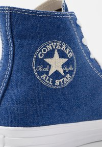 Converse - CHUCK TAYLOR ALL STAR RENEW - Vysoké tenisky - rush blue/natural/white - 5