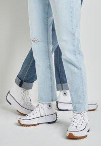 Converse - RUN STAR HIKE - High-top trainers - white/black - 0