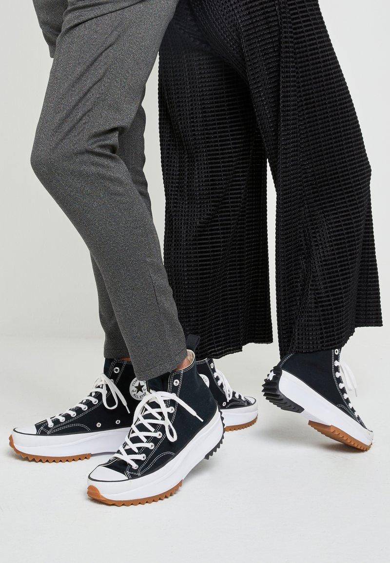Converse - RUN STAR HIKE - High-top trainers - black/white/gum