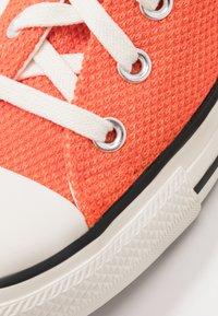 Converse - CHUCK TAYLOR ALL STAR - Baskets montantes - bold mandarin/fuel orange/egret - 5