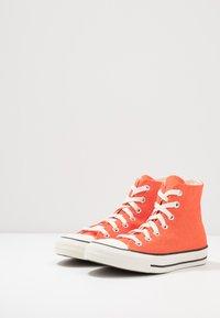 Converse - CHUCK TAYLOR ALL STAR - Baskets montantes - bold mandarin/fuel orange/egret - 2