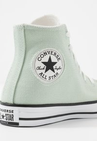Converse - CHUCK TAYLOR ALL STAR RENEW - High-top trainers - green oxide/natural/black - 5