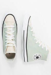 Converse - CHUCK TAYLOR ALL STAR RENEW - High-top trainers - green oxide/natural/black - 1
