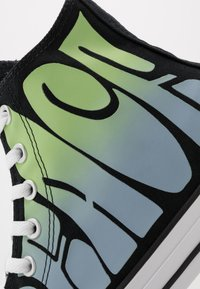 Converse - CHUCK TAYLOR ALL STAR - High-top trainers - black/lemongrass/white - 5