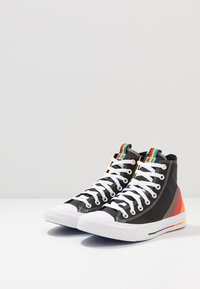 Converse - PRIDE CHUCK TAYLOR ALL STAR - Sneakers hoog - black/university red - 2