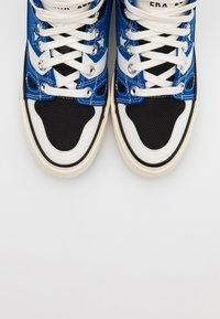 Converse - CHUCK TAYLOR ALL STAR 70 - Sneakers hoog - game royal/black/egret - 4