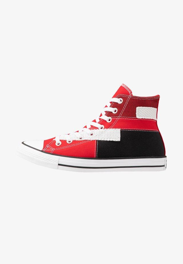 CHUCK TAYLOR ALL STAR - Høye joggesko - university red/white/black