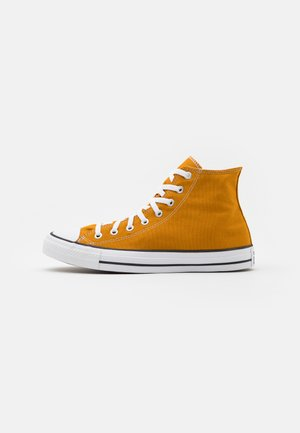 CHUCK TAYLOR ALL STAR - Korkeavartiset tennarit - saffron yellow