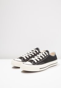 Converse - CHUCK TAYLOR ALL STAR 70 - Matalavartiset tennarit - black - 2
