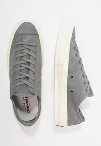 Converse - CHUCK TAYLOR ALL STAR '70 OX - Sneakersy niskie - mason/egret - 1