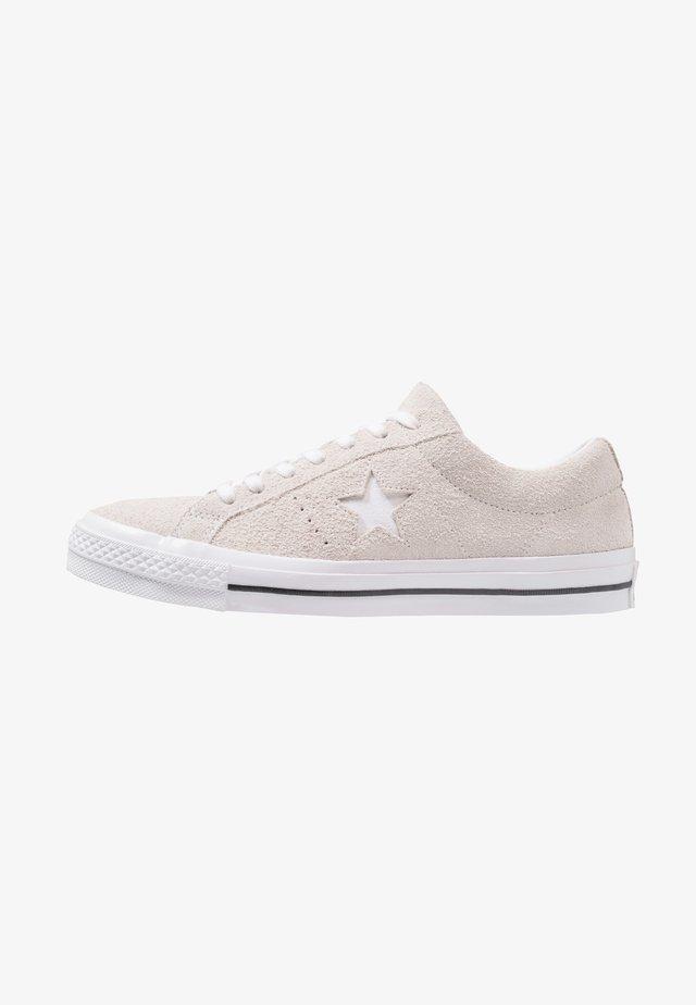 ONE STAR - Sneakersy niskie - white