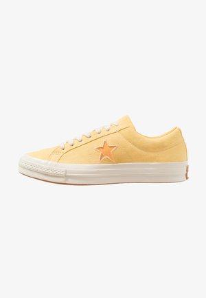 ONE STAR - Baskets basses - butter yellow/melon baller
