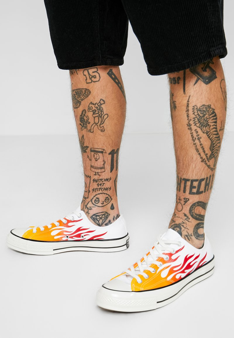 Converse - CHUCK TAYLOR ALL STAR 70 ARCHIVE REMIXED - Sneakers - white/enamel red/bold mandarin