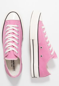 Converse - CHUCK TAYLOR ALL STAR 70 OX ALWAYS ON - Sneakers - magic flamingo/egret/black - 1