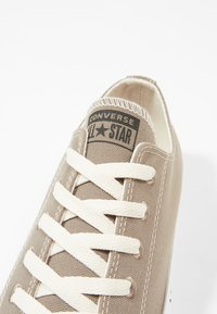 Converse - CHUCK TAYLOR ALL STAR RENEW - Sneakers laag - mason taupe/black/white - 9