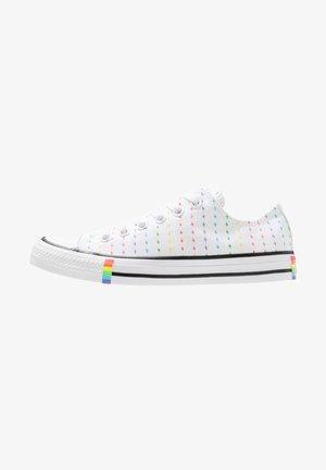 CHUCK TAYLOR ALL STAR - Tenisky - rainbow bolt