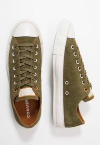 Converse - CHUCK TAYLOR ALL STAR SHOOTING STAR - Sneakers basse - surplus olive/burnt - 1